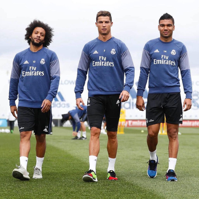 Ronaldo nói với đồng đội về quyết định chia tay Real Madrid - Ảnh 2.