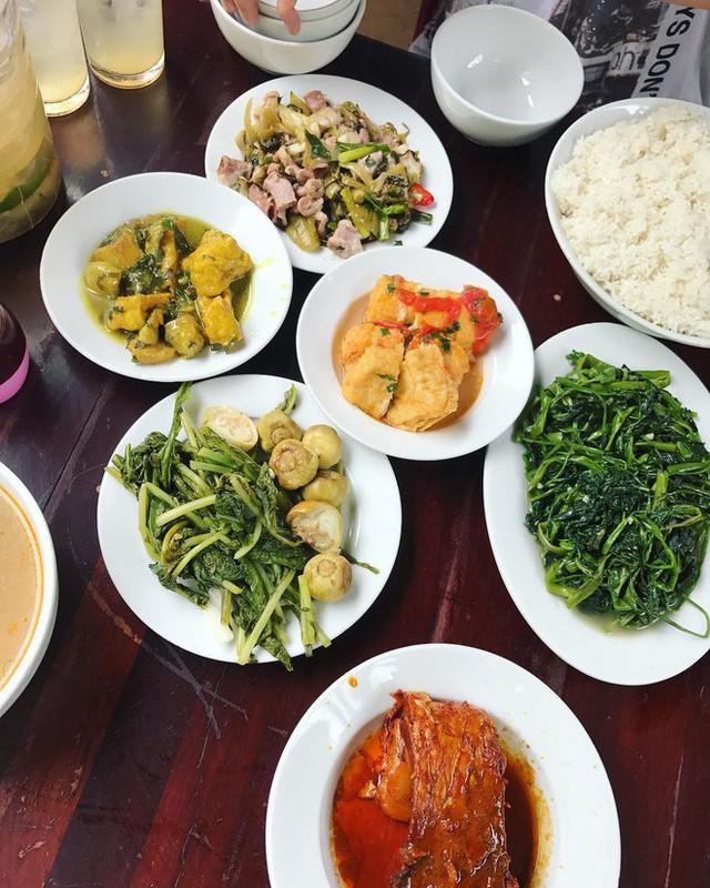 Ngoài cơm Vinh Thu thì Hà Nội còn có 4 hàng cơm bình dân nổi tiếng không kém phần - Ảnh 10.