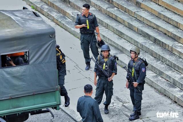 Nhóm khủng bố sân bay Tân Sơn Nhất lại hầu tòa - Ảnh 8.