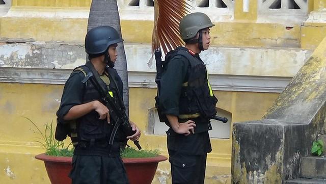 Vụ đặt bom sân bay Tân Sơn Nhất: Cô gái tham gia nhóm khủng bố vì thất nghiệp - Ảnh 2.