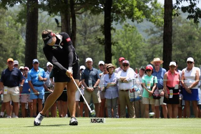 Tự hào với mọi việc mình có thể làm thay vì chỉ tập trung vào kết quả – Bí quyết giúp golf thủ nữ người Thái Lan lần đầu vô địch US Open - Ảnh 2.