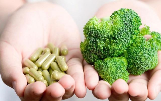Một nghiên cứu chỉ ra đa số thực phẩm chức năng chứa vitamin vô tác dụng, thậm chí có thể gây hại - Ảnh 2.