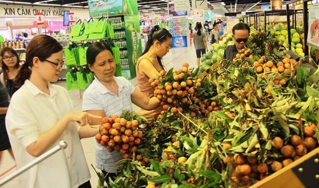 Dân Sài Gòn được mùa trái cây ngon bổ rẻ   - Ảnh 3.