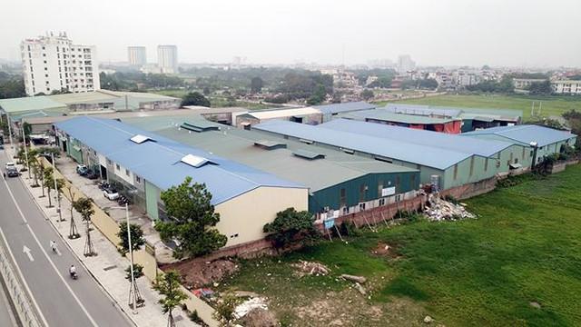 Hàng nghìn mét vuông nhà xưởng không phép vô tư tồn tại giữa Thủ đô - Ảnh 3.