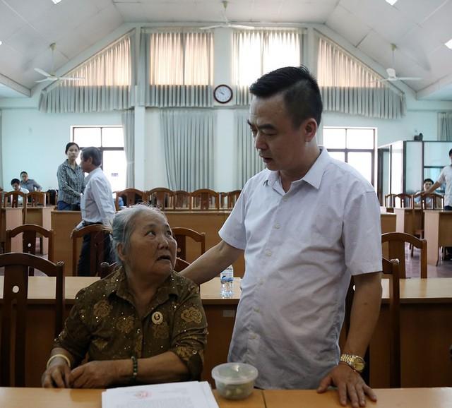 Toàn cảnh lãnh đạo Ban tiếp dân TW và TP.HCM gặp dân Thủ Thiêm - Ảnh 9.