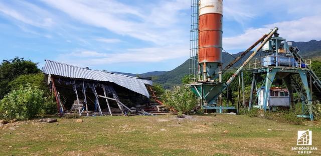 Cận cảnh siêu dự án nghỉ dưỡng ven bãi biển đẹp nhất Ninh Thuận bị bỏ hoang, sắp đến thời điểm bị thu hồi - Ảnh 3.