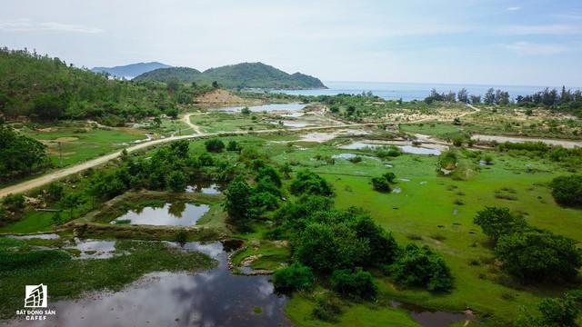 Cận cảnh siêu dự án nghỉ dưỡng ven bãi biển đẹp nhất Ninh Thuận bị bỏ hoang, sắp đến thời điểm bị thu hồi - Ảnh 15.