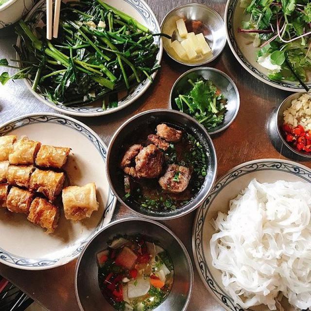 Nhà hàng Việt giữa lòng Seoul nổi tiếng đến nỗi muốn ăn phải xếp hàng tận 20 phút - Ảnh 2.