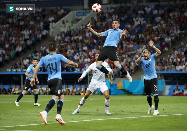 World Cup 2018: Cú đá gôn to gấp đôi cũng không vào và 90 phút vô hại của Ronaldo - Ảnh 1.