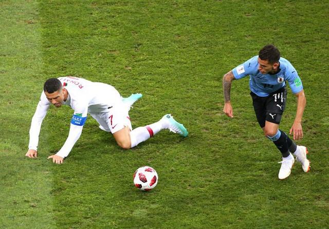 World Cup 2018: Cú đá gôn to gấp đôi cũng không vào và 90 phút vô hại của Ronaldo - Ảnh 5.