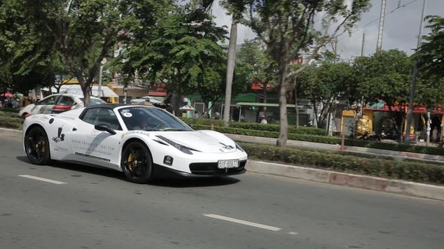 Bugatti Veyron của ông Đặng Lê Nguyên Vũ có thể phải để xe tải cõng qua đường xấu - Ảnh 6.