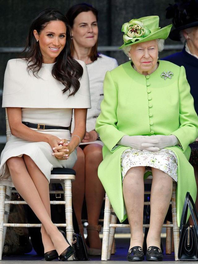 Những điều thú vị được tiết lộ trong mối quan hệ giữa Nữ hoàng Anh với cháu dâu mới Meghan - Ảnh 5.