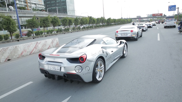 Bugatti Veyron của ông Đặng Lê Nguyên Vũ có thể phải để xe tải cõng qua đường xấu - Ảnh 9.