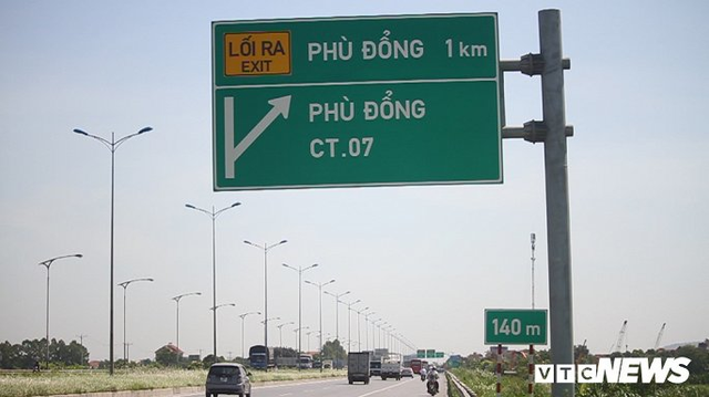 Ảnh: Tài xế tung chiêu né trạm thu phí Hà Nội - Bắc Giang - Ảnh 1.