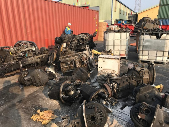 """Hải quan thông báo tìm chủ của hơn 3.000 container """"rác"""" - Ảnh 1."""
