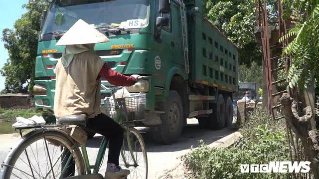 Ảnh: Tài xế tung chiêu né trạm thu phí Hà Nội - Bắc Giang - Ảnh 6.