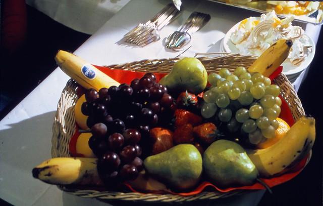 20 bức ảnh cho thấy bữa ăn trên máy bay ngày xưa còn sang chảnh hơn nhà hàng 5 sao bây giờ - Ảnh 7.