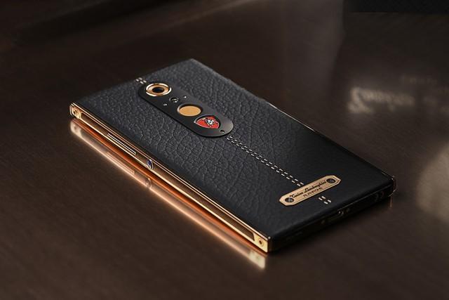 Chiêm ngưỡng chiếc điện thoại thông minh mà Lamborghini tạo ra cho giới nhà giàu - Ảnh 4.
