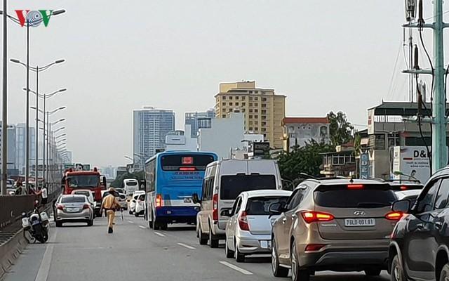Hiện trường xe khách 47 chỗ cháy dữ dội trên đường vành đai 3 Hà Nội - Ảnh 12.
