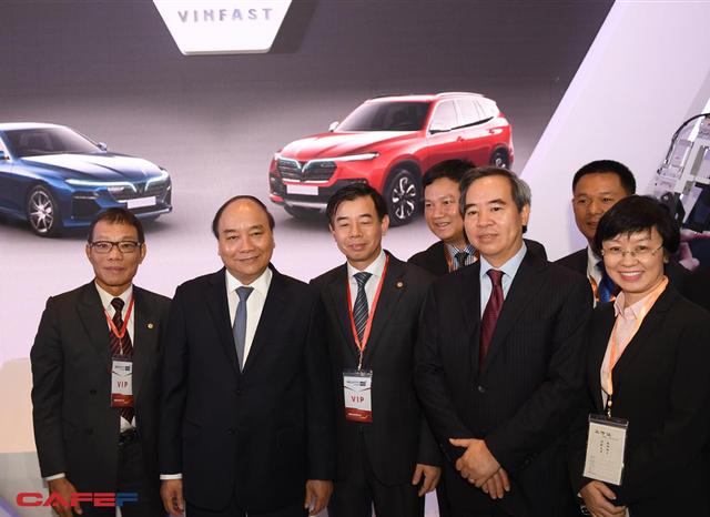 Chùm ảnh: Thủ tướng, lãnh đạo cấp cao và các doanh nghiệp lớn tham dự Triển lãm quốc tế về công nghiệp 4.0 - Ảnh 9.