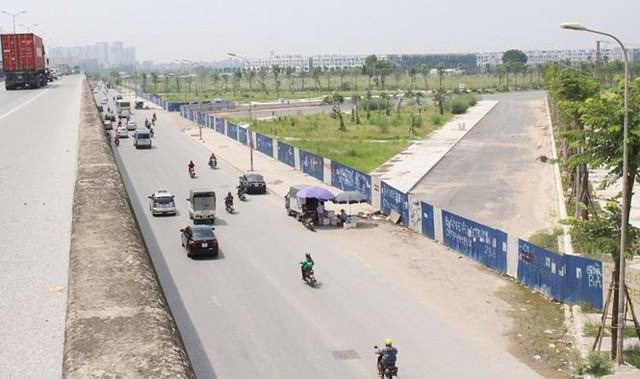 Đường BT nghìn tỷ Hà Nội quây rào để cỏ mọc  - Ảnh 3.