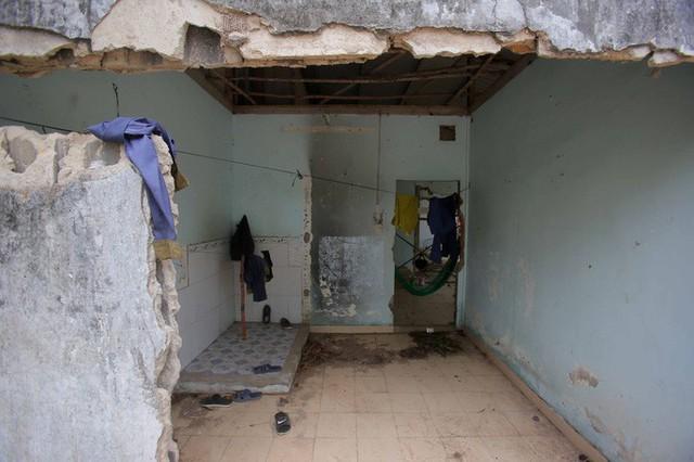 Cận cảnh những khu tạm cư ở Thủ Thiêm - Ảnh 19.