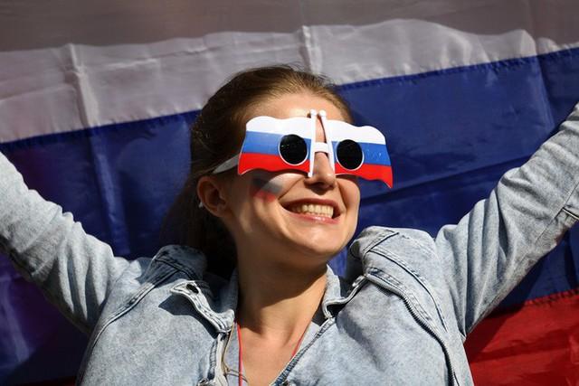 Tột cùng vui sướng, người Nga mơ về ngôi vô địch World Cup 2018 - Ảnh 12.