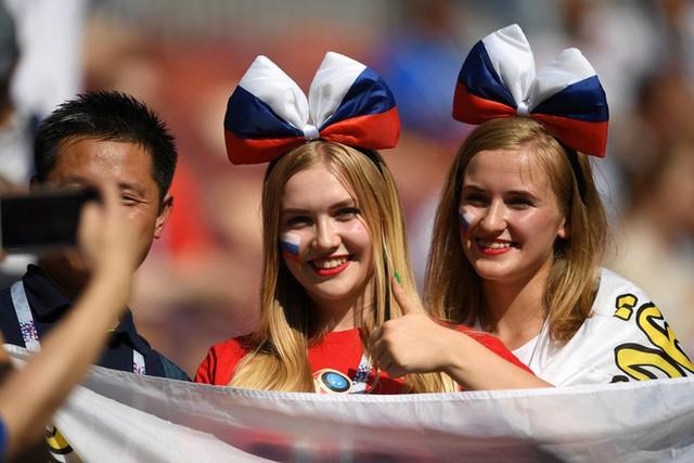 Tột cùng vui sướng, người Nga mơ về ngôi vô địch World Cup 2018 - Ảnh 10.