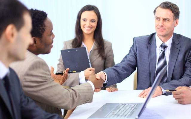 4 chiến lược đơn giản giúp bạn có cuộc trò chuyện hiệu quả với sếp: Trực tiếp, nhanh gọn và chuẩn bị kỹ lưỡng vẫn là những điều kiện tiên quyết - Ảnh 1.