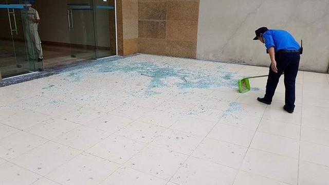 Chung cư Tân Tây Đô: Sau rơi gạch ốp tường là sập trần thạch cao  - Ảnh 4.