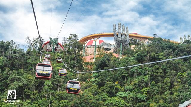 Mê mẫn với dự án cây cầu vàng trên đỉnh Bà Nà, không thua kém cầu treo Langkawi Sky (Malaysia) - Ảnh 4.