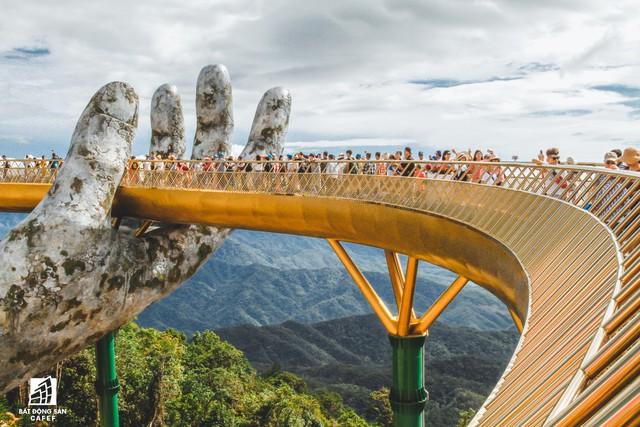 Mê mẫn với dự án cây cầu vàng trên đỉnh Bà Nà, không thua kém cầu treo Langkawi Sky (Malaysia) - Ảnh 3.