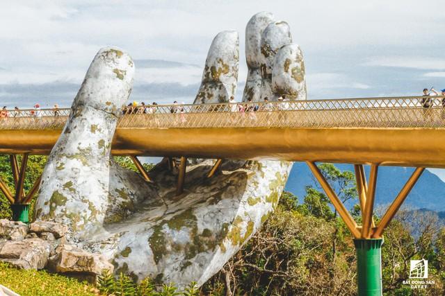 Mê mẫn với dự án cây cầu vàng trên đỉnh Bà Nà, không thua kém cầu treo Langkawi Sky (Malaysia) - Ảnh 6.