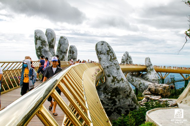 Mê mẫn với dự án cây cầu vàng trên đỉnh Bà Nà, không thua kém cầu treo Langkawi Sky (Malaysia) - Ảnh 8.