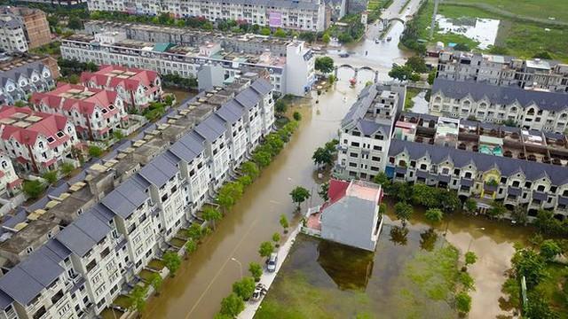 'Làng villa triệu đô Hà Nội ngập lụt vì bị bỏ rơi? - Ảnh 2.