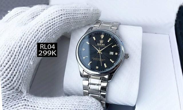 Đồng hồ hàng hiệu Omega, Rolex bán như… bán rau  - Ảnh 4.