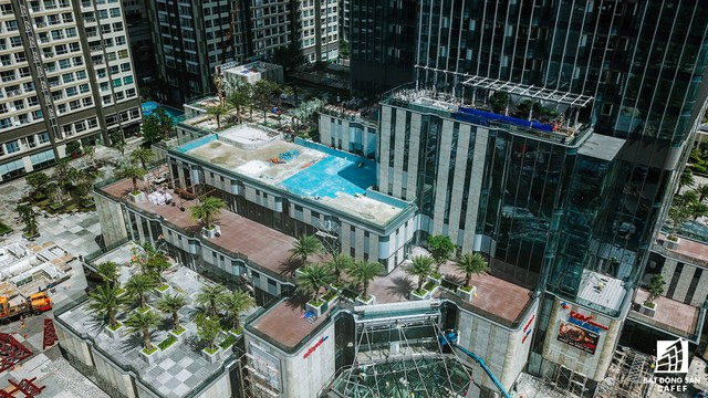 Cận cảnh tòa nhà cao nhất Việt Nam chuẩn bị khai trương trung tâm thương mại Vincom Center Landmark 81 - Ảnh 9.