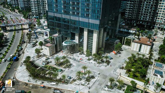 Cận cảnh tòa nhà cao nhất Việt Nam chuẩn bị khai trương trung tâm thương mại Vincom Center Landmark 81 - Ảnh 8.