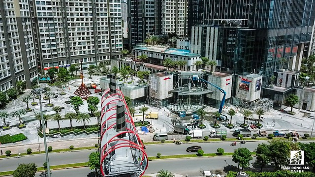 Cận cảnh tòa nhà cao nhất Việt Nam chuẩn bị khai trương trung tâm thương mại Vincom Center Landmark 81 - Ảnh 5.