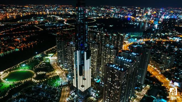Tòa nhà cao nhất Việt Nam lung linh về đêm giữa Sài Gòn - Ảnh 3.