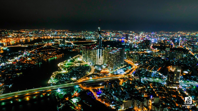 Tòa nhà cao nhất Việt Nam lung linh về đêm giữa Sài Gòn - Ảnh 7.