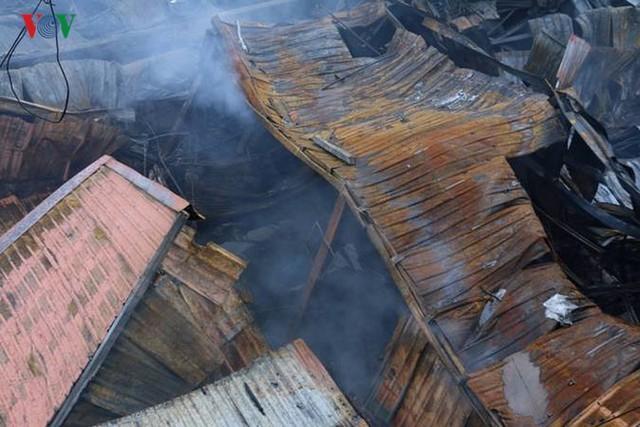 Chợ Gạo ở Hưng Yên tan hoang, đổ nát sau vụ cháy kinh hoàng - Ảnh 11.