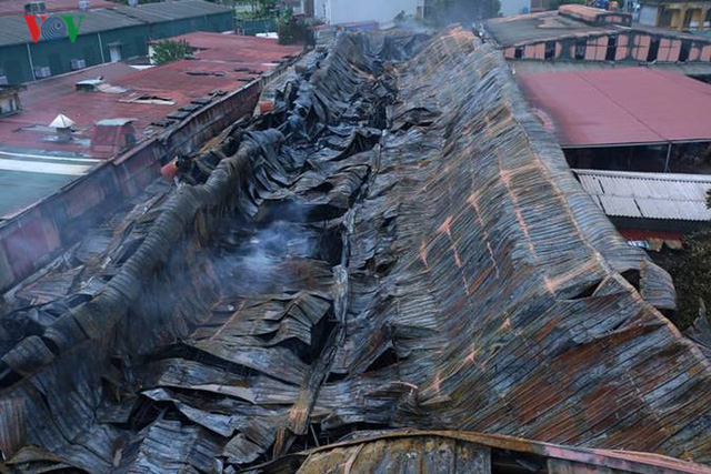 Chợ Gạo ở Hưng Yên tan hoang, đổ nát sau vụ cháy kinh hoàng - Ảnh 13.