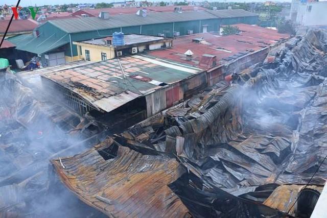 Chợ Gạo ở Hưng Yên tan hoang, đổ nát sau vụ cháy kinh hoàng - Ảnh 16.