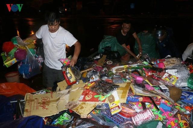 Chợ Gạo ở Hưng Yên tan hoang, đổ nát sau vụ cháy kinh hoàng - Ảnh 6.