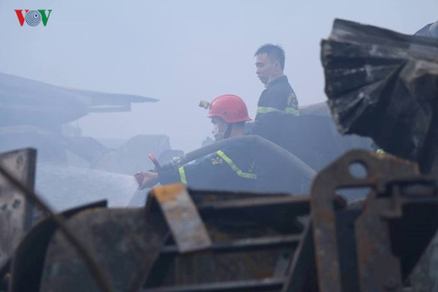 Chợ Gạo ở Hưng Yên tan hoang, đổ nát sau vụ cháy kinh hoàng - Ảnh 9.