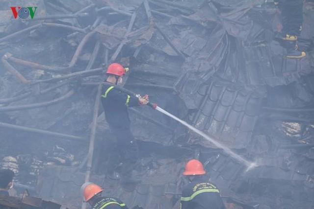Chợ Gạo ở Hưng Yên tan hoang, đổ nát sau vụ cháy kinh hoàng - Ảnh 10.