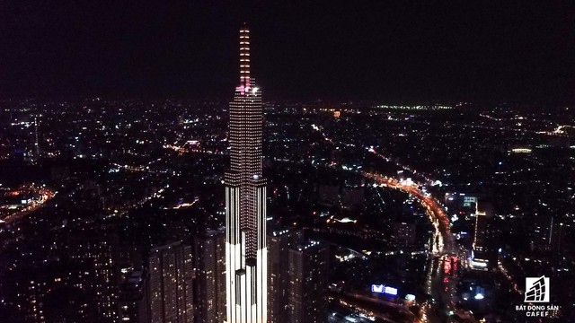 Tòa nhà cao nhất Việt Nam lung linh về đêm giữa Sài Gòn xa hoa - Ảnh 9.