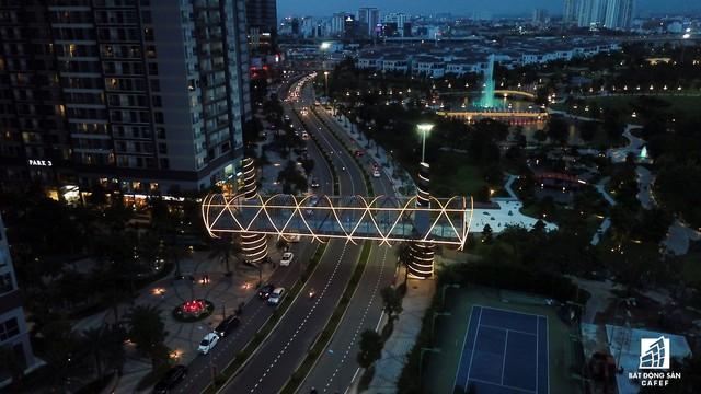 Tòa nhà cao nhất Việt Nam lung linh về đêm giữa Sài Gòn - Ảnh 11.