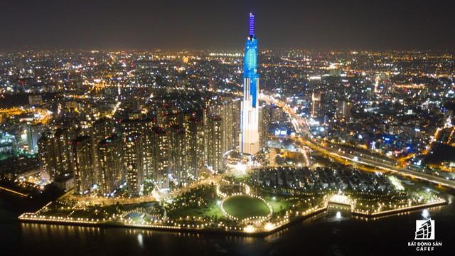 Tòa nhà cao nhất Việt Nam lung linh về đêm giữa Sài Gòn xa hoa - Ảnh 13.